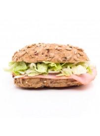 Mini hard broodje met achterham