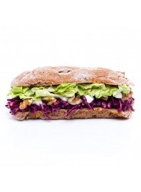 Fig bun with red cabbage salad and walnut (halal)