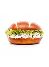 Midi pretzel bun with ham salad and mesclun lettuce